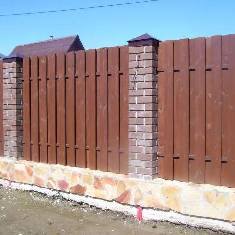 Строительные работы на участке: фундаменты, заборы